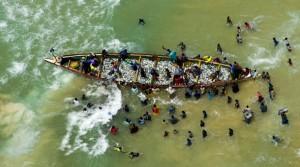 Mauritania: Crude Oil Beneath the Canoes